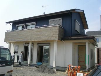 10.P3302806外壁工事完了(完成間近)